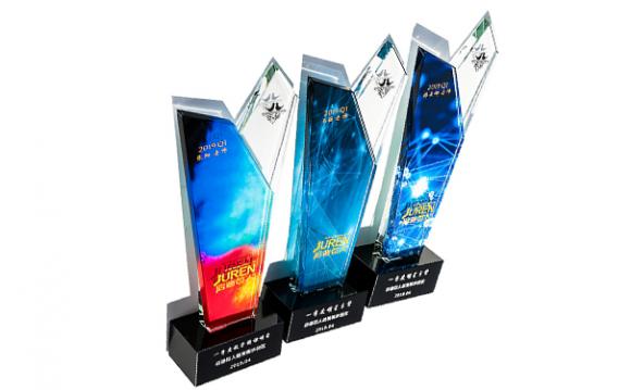 掌握市场动向,赢得客户信任——浦江惠荣水晶工艺品有限公司